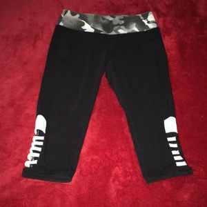 Material Girl Active Cropped Yoga Pants